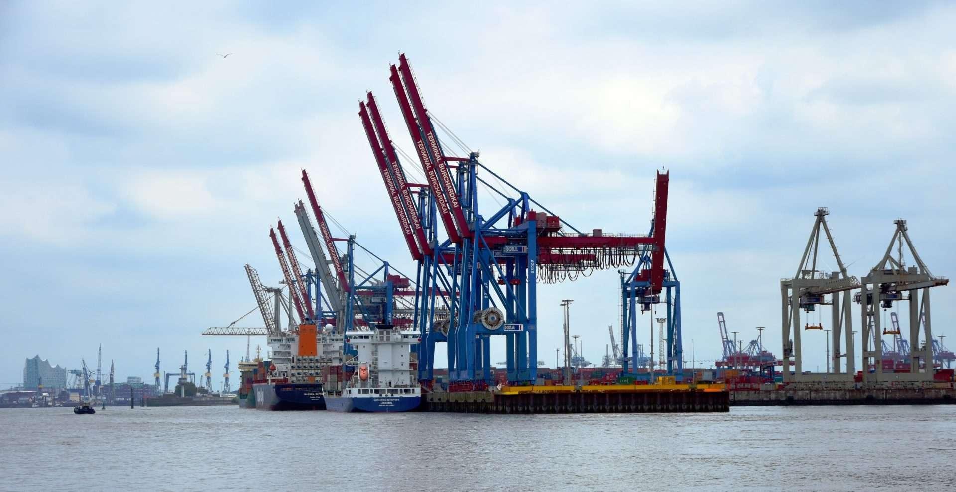 Importação de navios